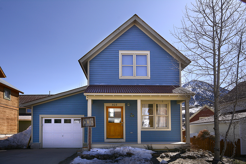 New Listing Single Family Home in Mt. Crested Butte