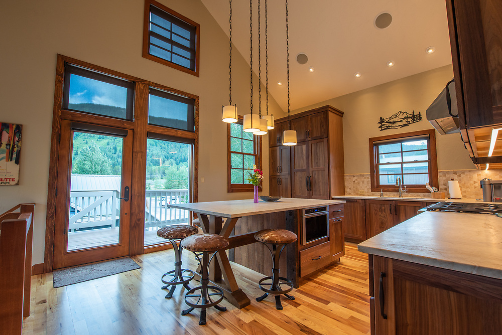 New Listing 802 Belleview Ave Downtown Crested Butte